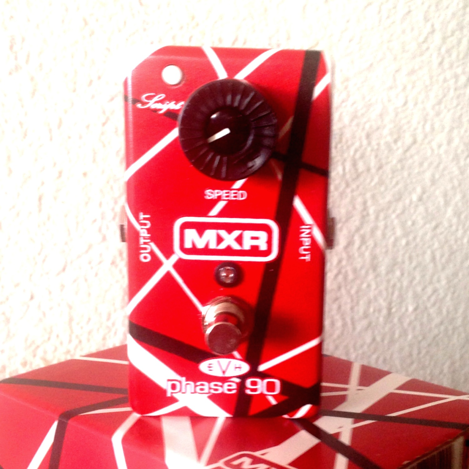 dunlop mxr evh90 phase 90 pedal of the day. Black Bedroom Furniture Sets. Home Design Ideas