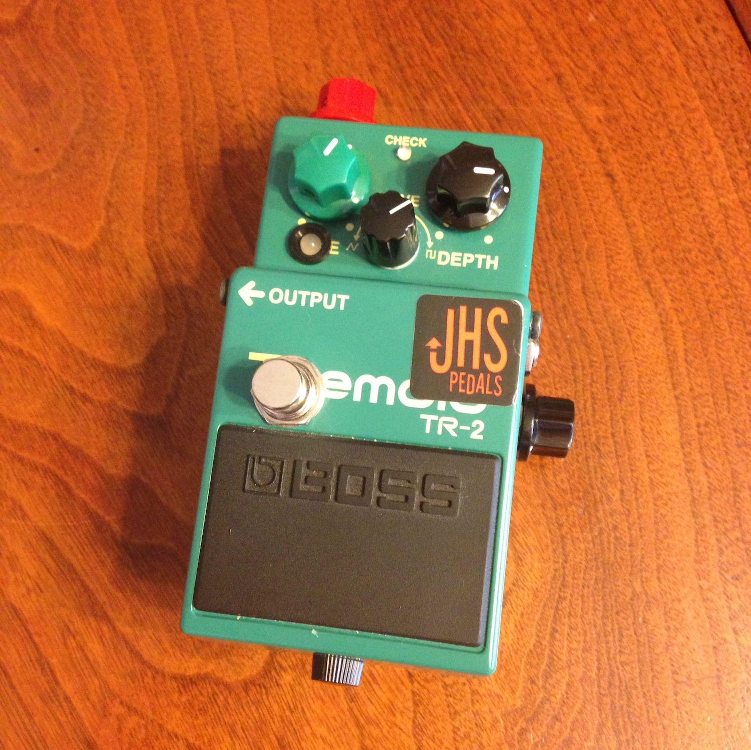 Boss TR-2 Tremolo (JHS Pedals Two-Speed mod)