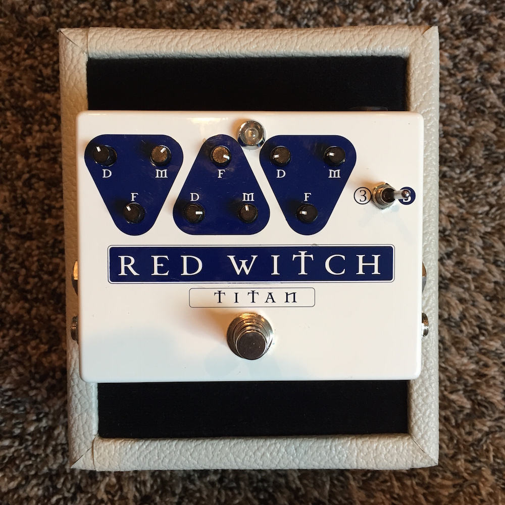 Red Witch Pedals Titan Delay