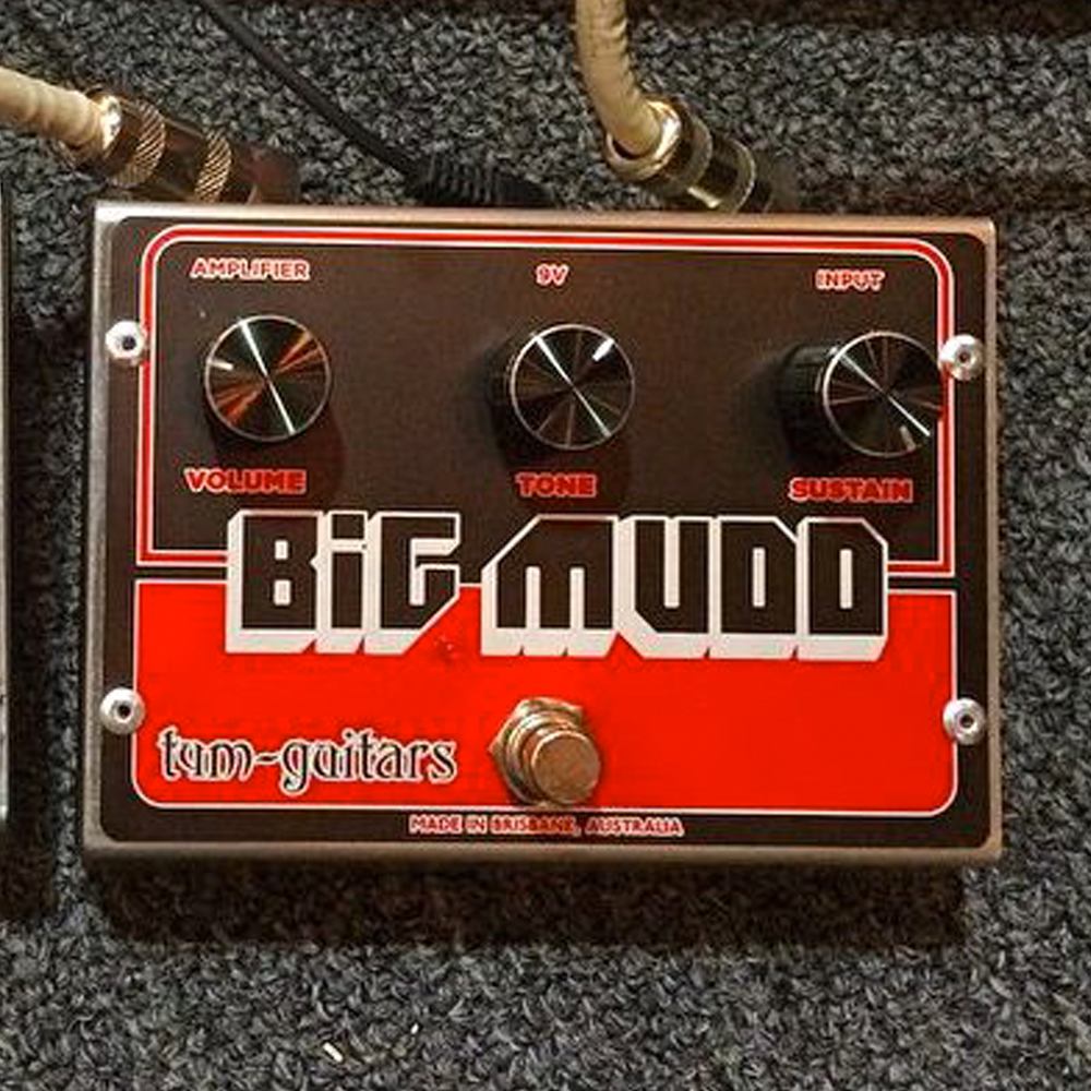 tym guitars reverse big mudd fuzz pedal of the day. Black Bedroom Furniture Sets. Home Design Ideas